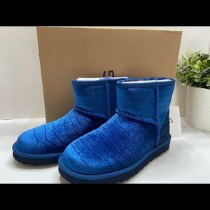 NEW UGG Australia Rare Classic Mini II Velvet Croc Women's Ankle Boots Blue 6